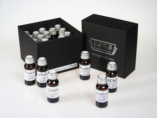 100 Essential Aroma Chemicals - Kit Four - open